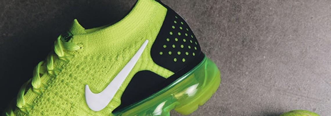 Eye-catching fluorescent green Air Vapormax 2